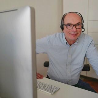 Comedian-und-Comedy-Writer_Michael-Genaehr_beim_Web-Workshop-Gagschreiben_von-Capital-Comedy.de